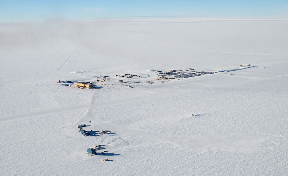 Aerial photograph of Amundsen-Scott South Pole Station.